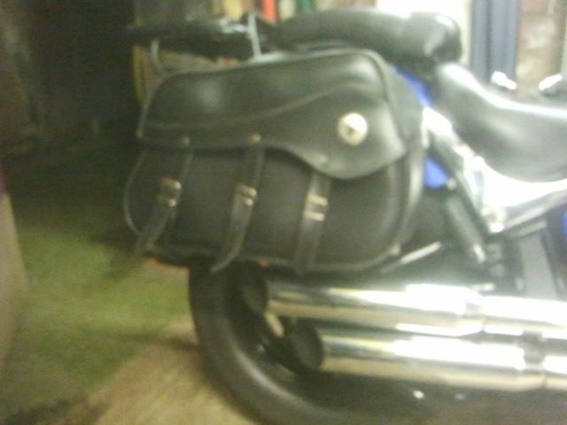 Brackets for new panniers, Suzuki M50 / M800 2012-12-02171455