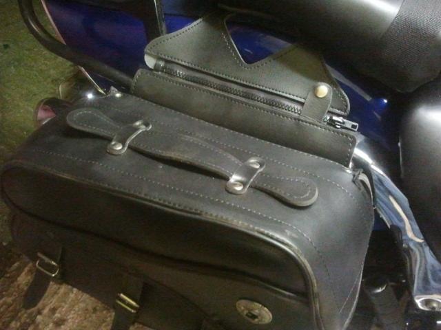 Brackets for new panniers, Suzuki M50 / M800 2012-12-02171532