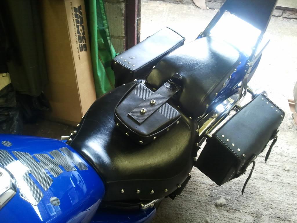 Hinged Riders Backrest, Suzuki M800 / M50 2011-08-14112918