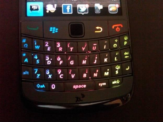 [TIPS] Bongkar Casing Onyx Untuk Modif lampu Keypad IMG00041-20110417-1102