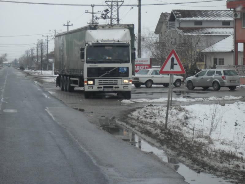 Volvo kamioni - Page 2 SDC14187