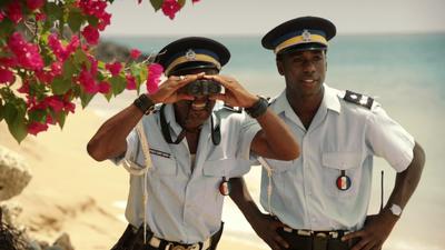 Death in Paradise (2011, série de BBC1 et France 2) Dip2A-2