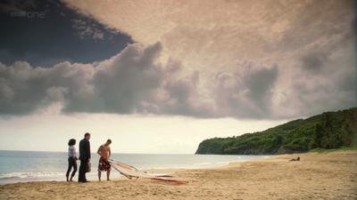 Death in Paradise (2011, série de BBC1 et France 2) Dip2B-2