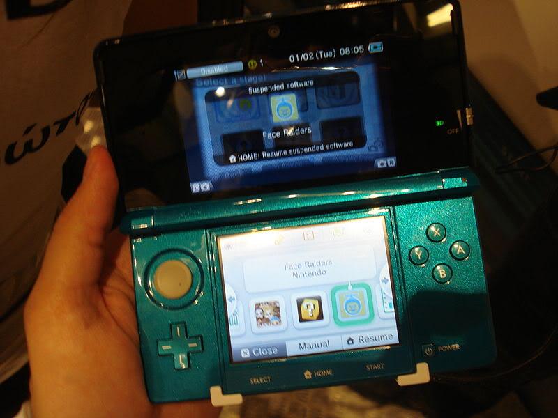 2011 Nintendo 3DS 800px-Nintendo_3DS_hands_on