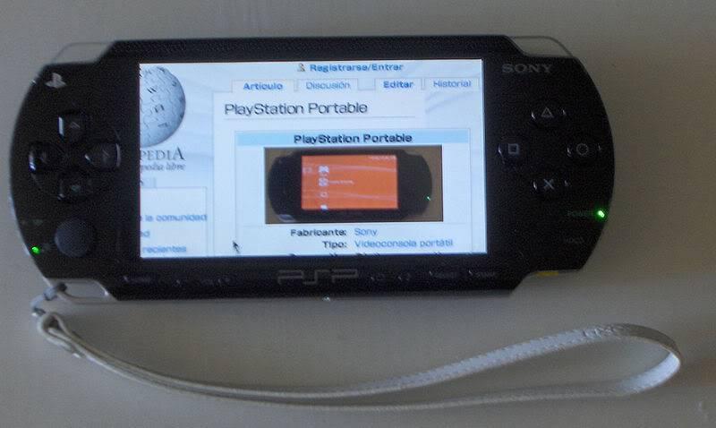 2004 PSP (PlayStation Portable) 800px-Pspwiki