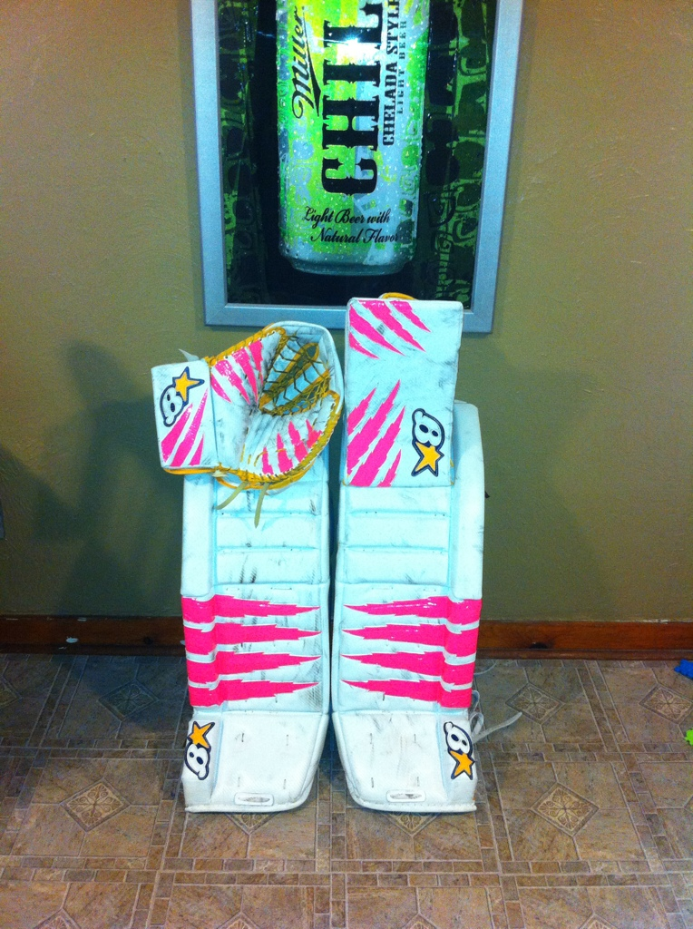 Shane's ice hockey goalie pads 53E394CF-2BE0-4343-9BD0-B02DE9F42292-923-000000B68D135933
