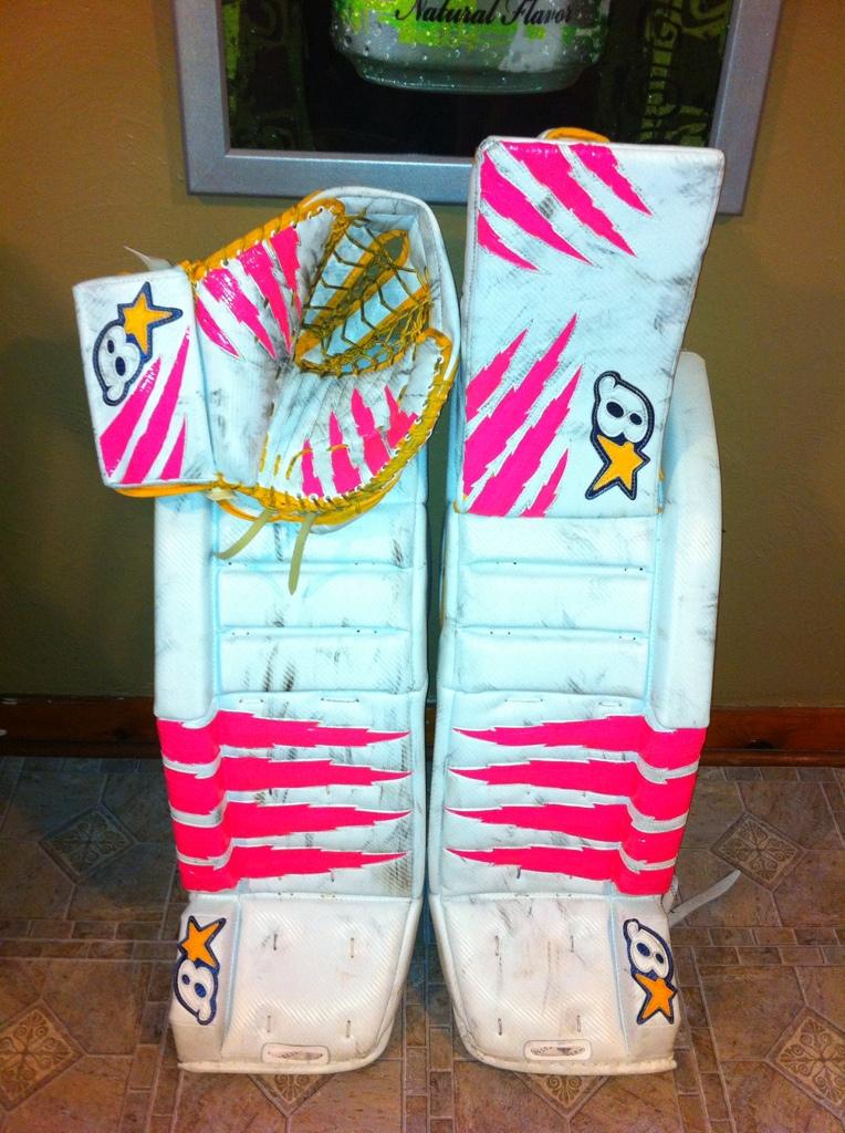 Shane's ice hockey goalie pads F29506BE-3E97-4813-B96C-C319233AE910-923-000000B690B12C7B