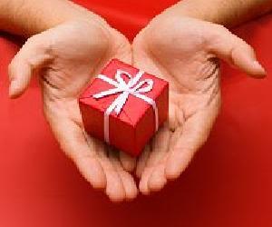 Quà tặng và cách tặng quà Present111206_5989
