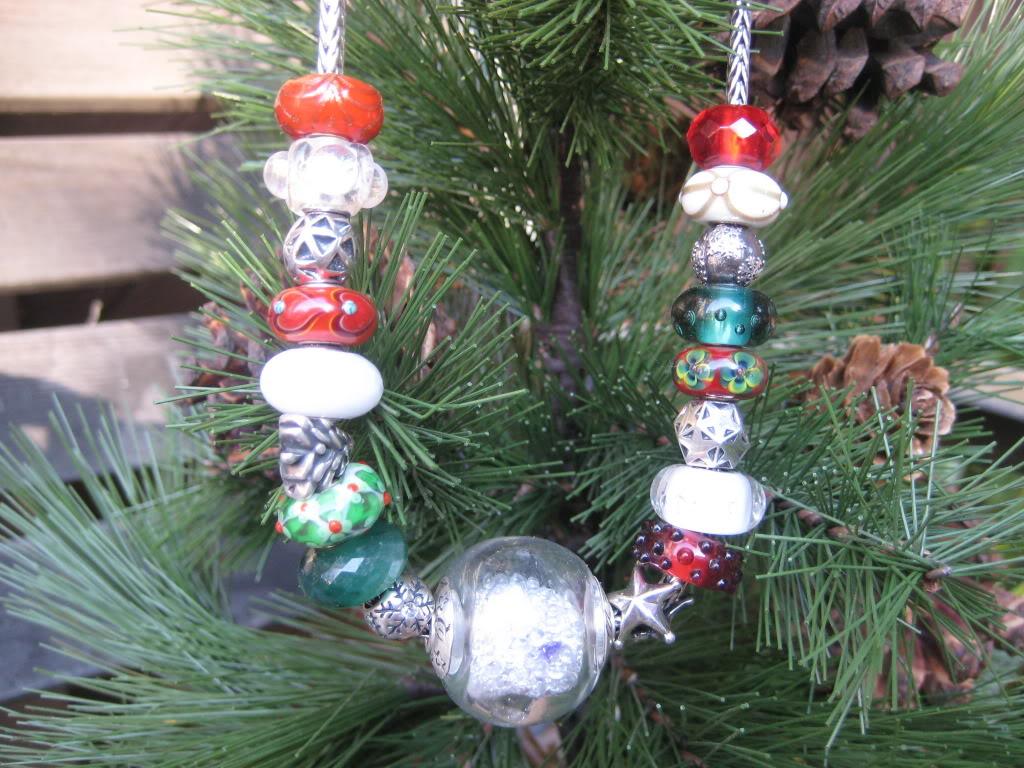 Kim Miles Snow Globe Christmas Necklace IMG_1541