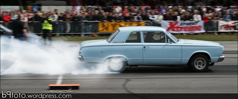 Painlake Racing - BMW E36 driftingbil. Filmdags..  Dackrok-en-dag-pa-strippen-emmaboda_zps48beee9e