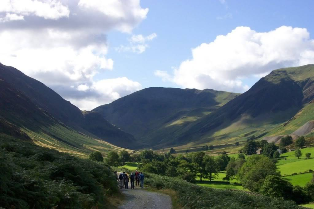 Pics of places that look like places from the films, or are just nice. - Page 2 Lake-district-14