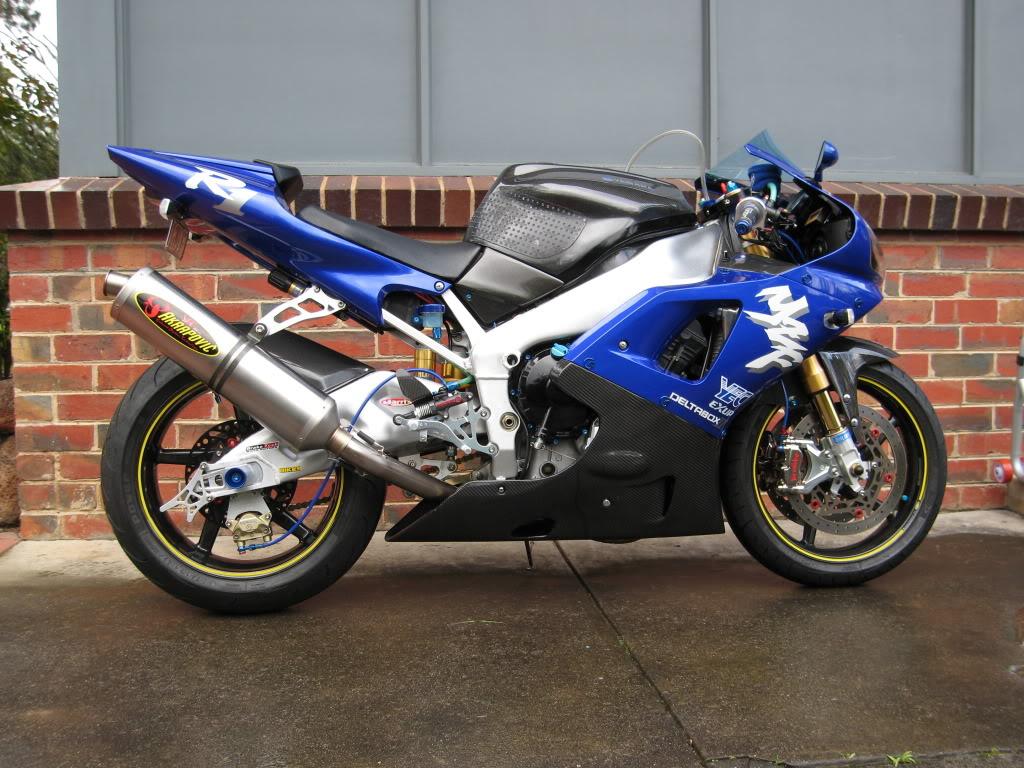 Yamaha 1000 R1 ... - Page 5 IMG_5010