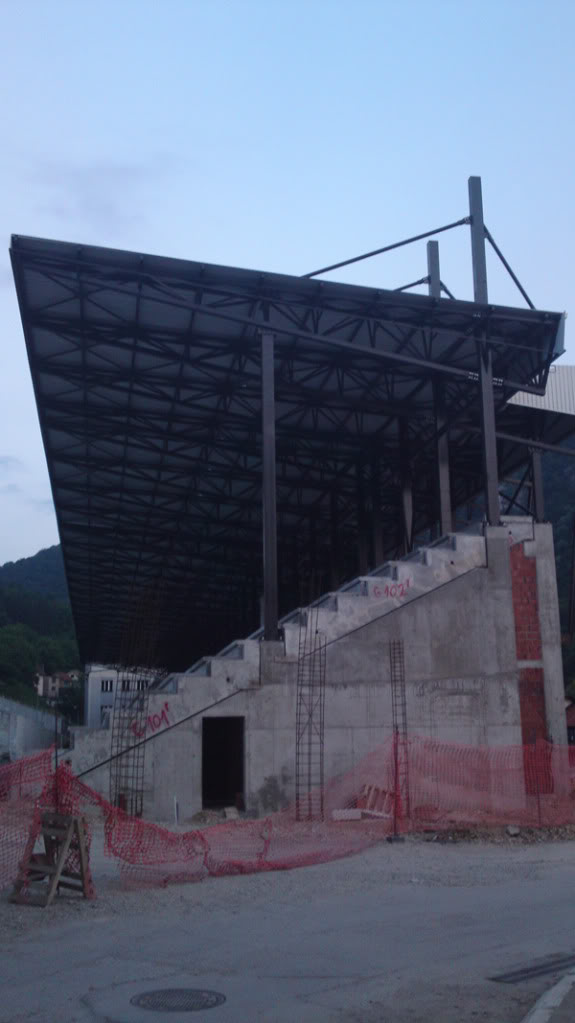 стадиони, терени, ливаде... - Page 2 004_Tribina