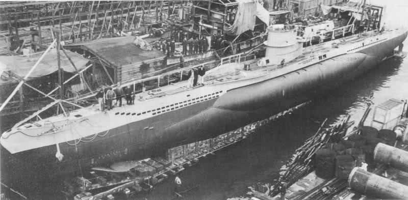 Uboot U99 revell 1:125 par aurelien wolff U-99-underconstructionatFriedrichKruppGermaniawerftKielGermany