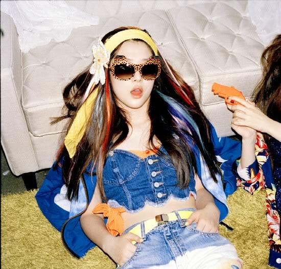 "[05/07/12] Victoria, Krystal y Sulli revelan fotos teaser de ""Electric Shock"" QISQi"