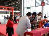 Japan Expo 2011 : 4 jours de surprises sur le stand ANIGETTER (compte-rendu & photos-vidéos) Th_Anigetter-JE2011-Miyagawa-san_19