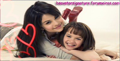 Selena Gomez & Joey King SingSeleJoey1
