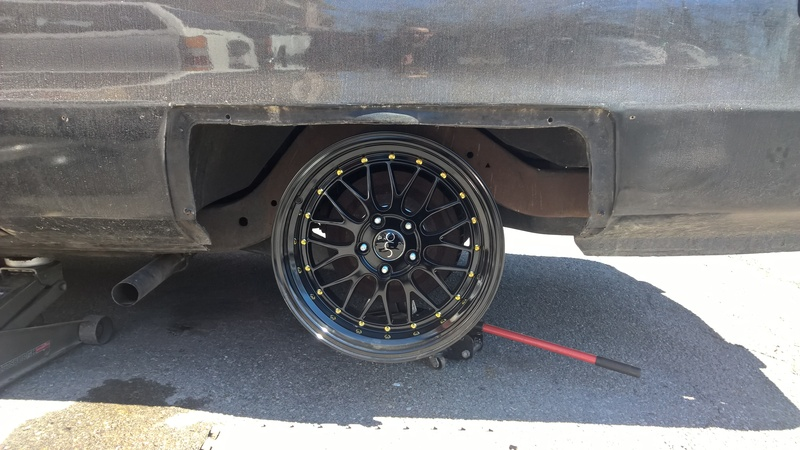 The Stickman's Federal Cadillac Heritage Hearse project HSTV%20Wheels%20test%20fit1_zpsvyp1vrdf