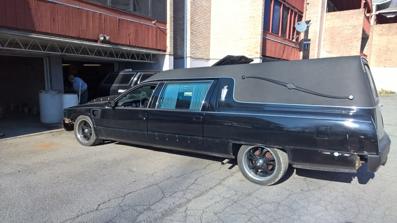 The Stickman's Federal Cadillac Heritage Hearse project Lowered%20front%20end%205_zpspzlfreke