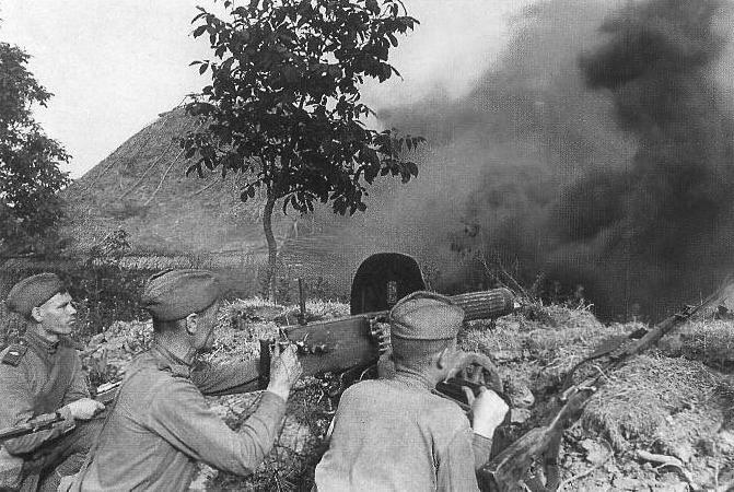A tough Day Kursk_Soviet_machineguns_zps14f6879b