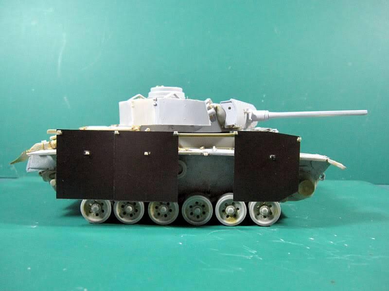 PANZER III Ausf.M/N TANK DRAGON 1:35 SCALE KIT 9015 GERMAN  IMG_1052