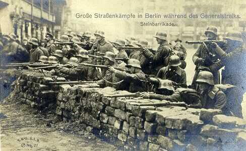 Smile for Motherland! - Página 6 Freikorps-2