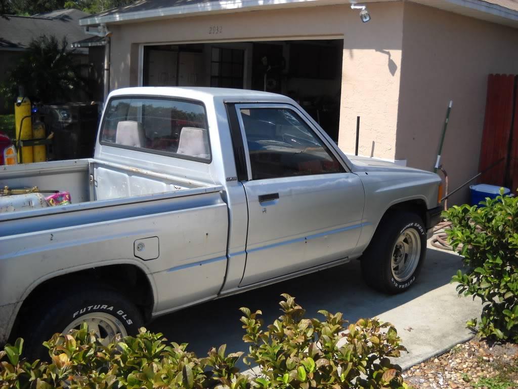 87 Toyota pickup DSCN0954
