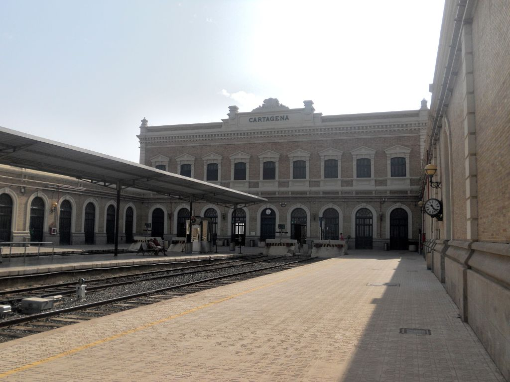 Línea Alcázar de San Juan-Chinchilla-Alicante/Valencia/Cartagena DSCN5401