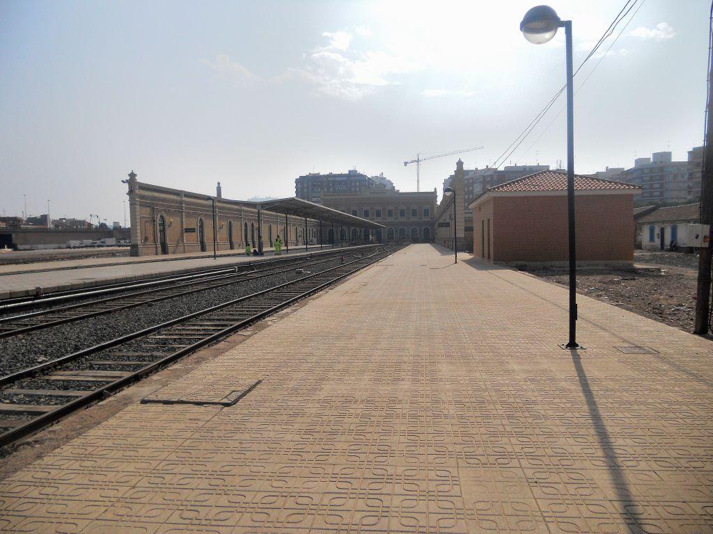 Línea Alcázar de San Juan-Chinchilla-Alicante/Valencia/Cartagena DSCN5403