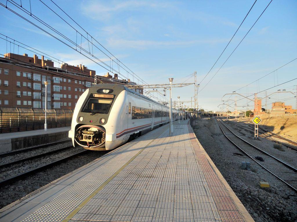 Línea Madrid-Alcázar de San Juan-Manzanares-Córdoba-Sevilla-Cádiz DSCN5596