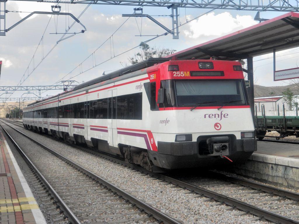 Línea Madrid-Alcázar de San Juan-Manzanares-Córdoba-Sevilla-Cádiz DSCN5793