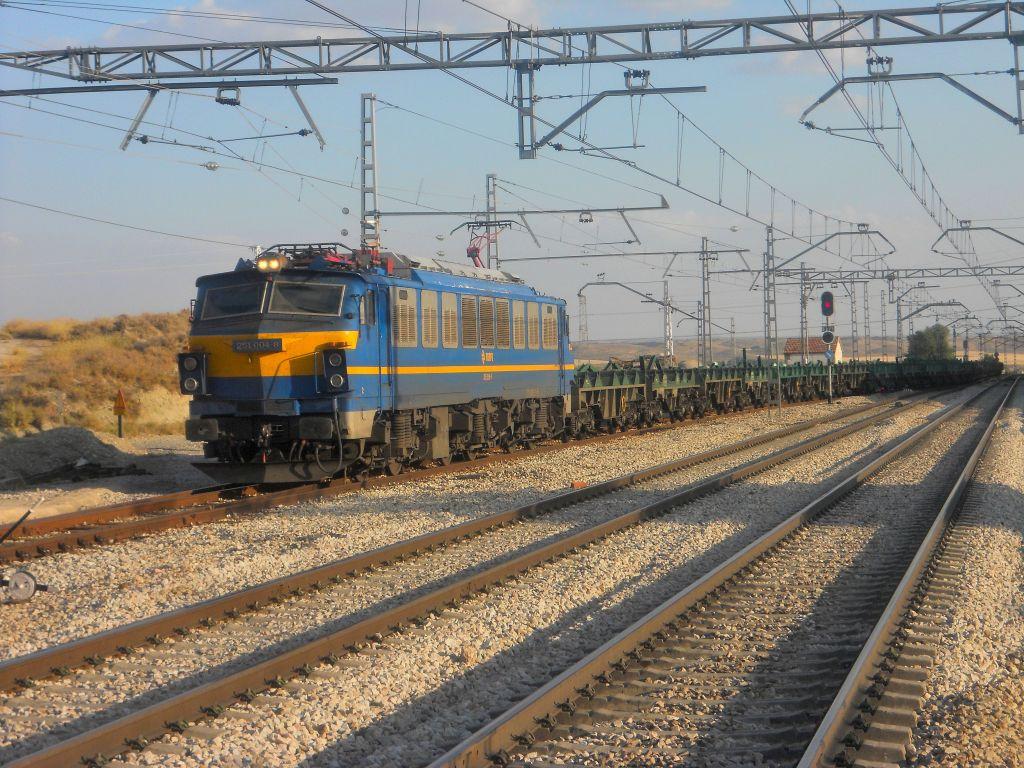 Línea Madrid-Alcázar de San Juan-Manzanares-Córdoba-Sevilla-Cádiz DSCN5811