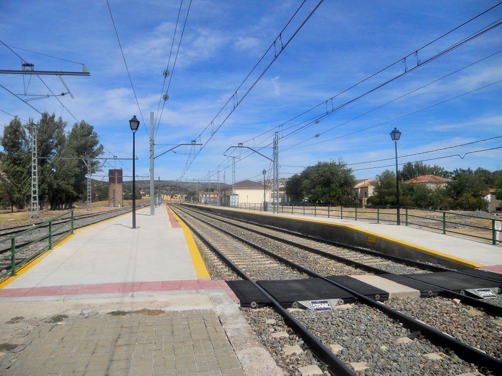 Línea Madrid-Guadalajara-Zaragoza-Tarragona-Barcelona (Ancho Nacional) - Página 2 DSCN5886_zps2ad97875
