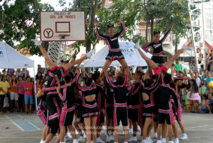 Cheering competition. Cheering3