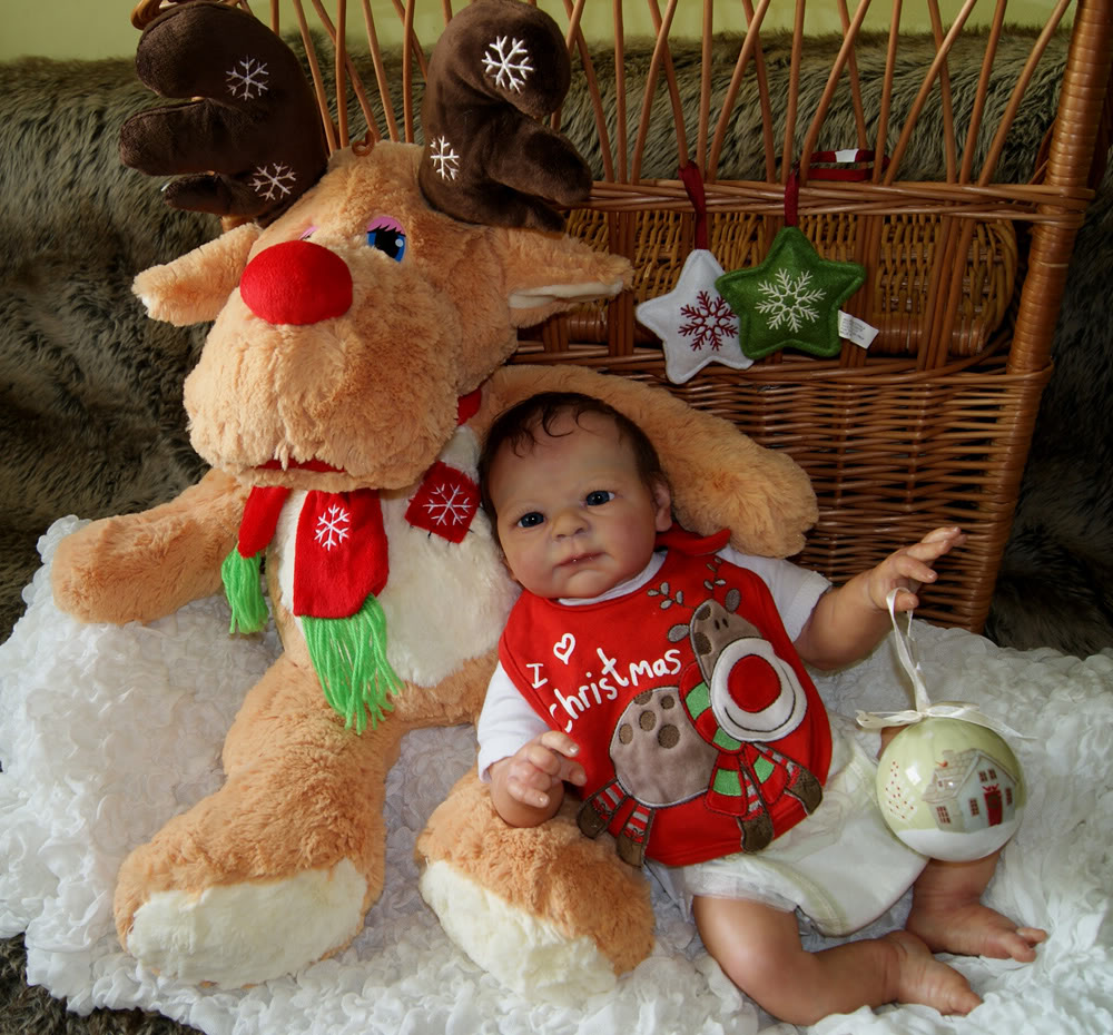 Please vote for the best Christmas presentation PhilsIza1