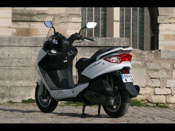 Novo modelo SYM GTS 125??? 600x450_IMG_1810