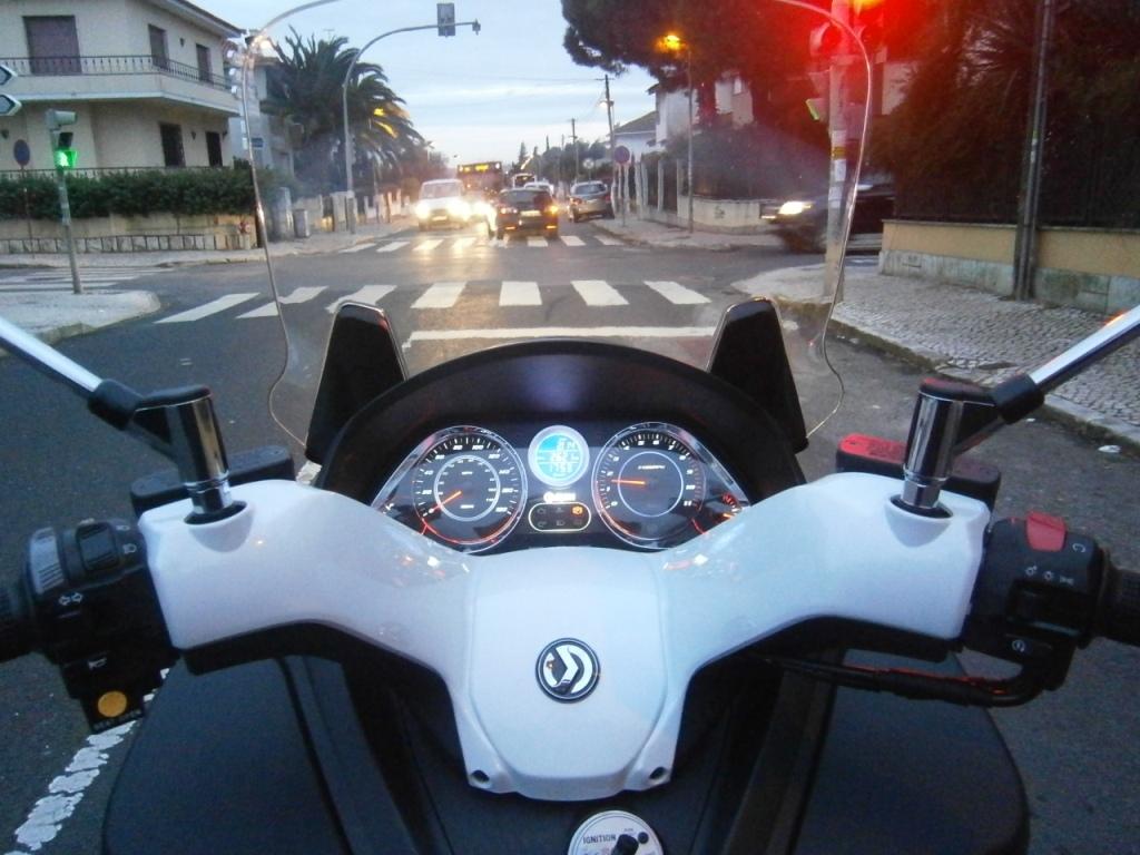 Sym Maxsym 400i ABS (1º Ensaio em Portugal) P1140333_zps07d285c5
