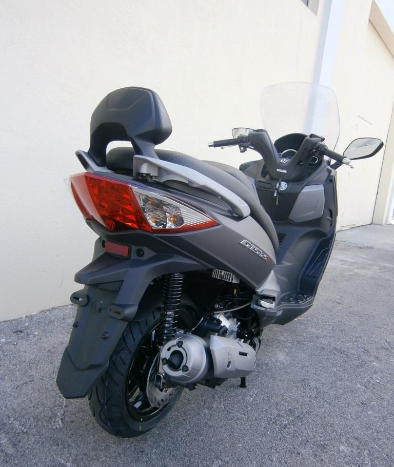 Novo modelo SYM GTS 125??? P9180021