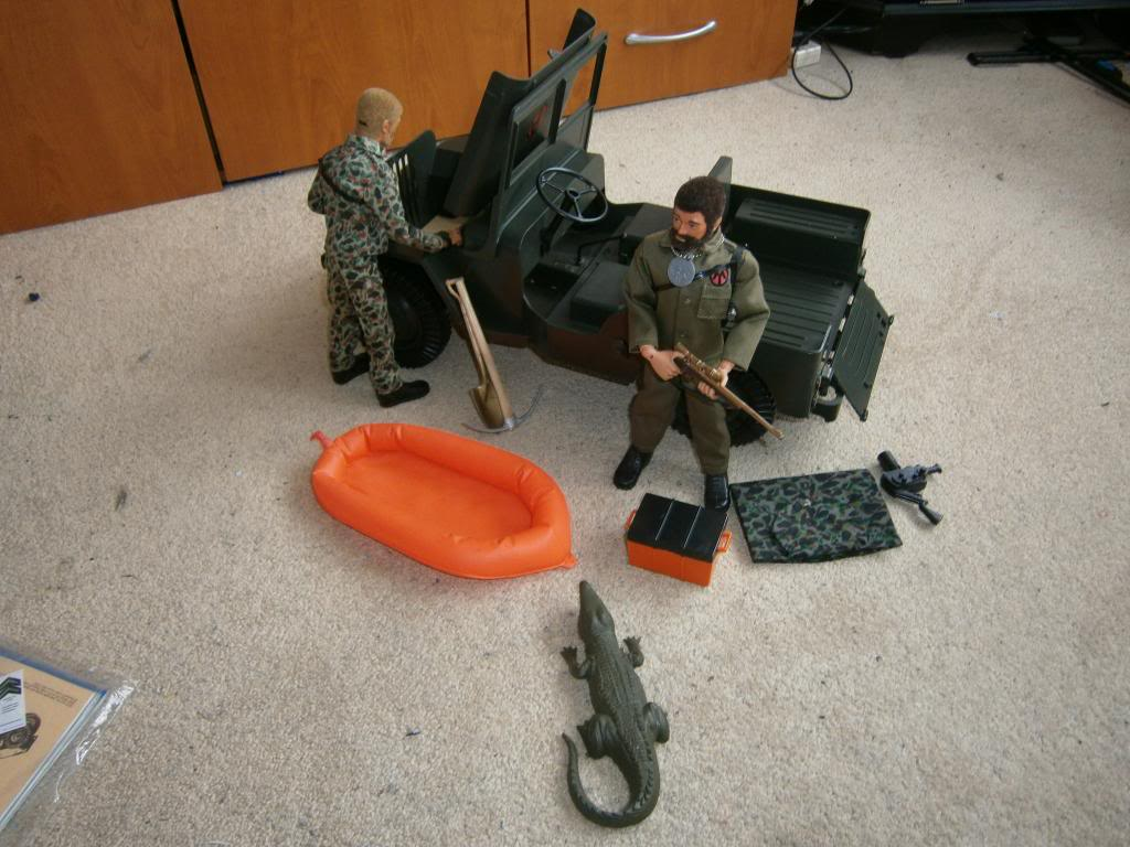 G.I.Joe AT Sandstorm Survival set ATJeep009_zps86aeff32