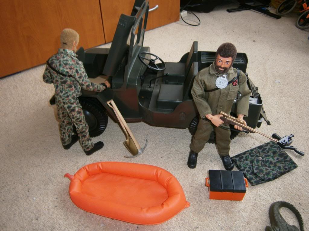 G.I.Joe AT Sandstorm Survival set ATJeep011_zps06ac0c0b