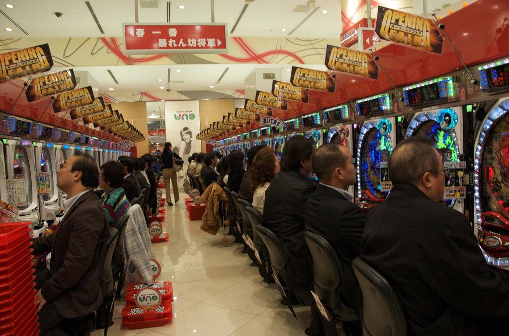 [Đời sống - Văn hóa] 15 đam mê của người Nhật Pachinko1851412630552243833_zps17a0e2fc