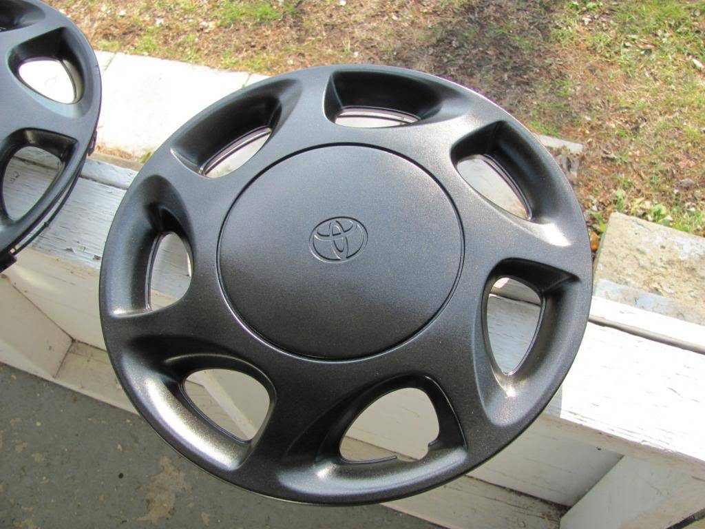 DIY: OEM Wheel Restoration (tires mounted), plus Hubcaps and Lugs -pic heavy IMG_4626