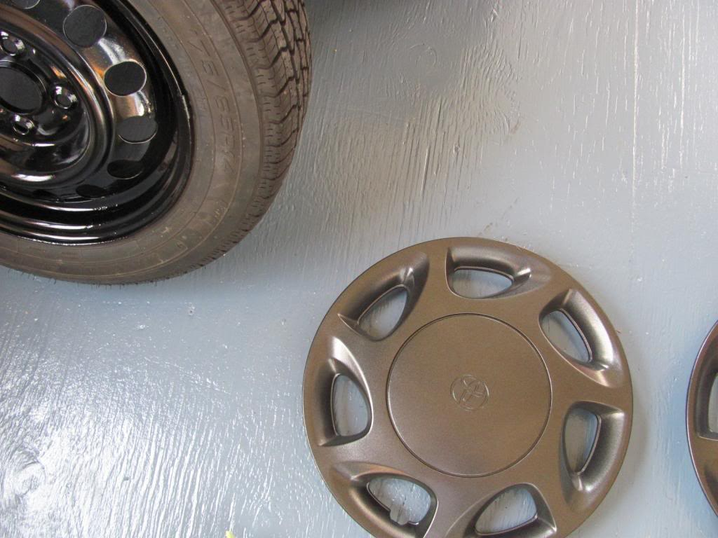 DIY: OEM Wheel Restoration (tires mounted), plus Hubcaps and Lugs -pic heavy IMG_4631