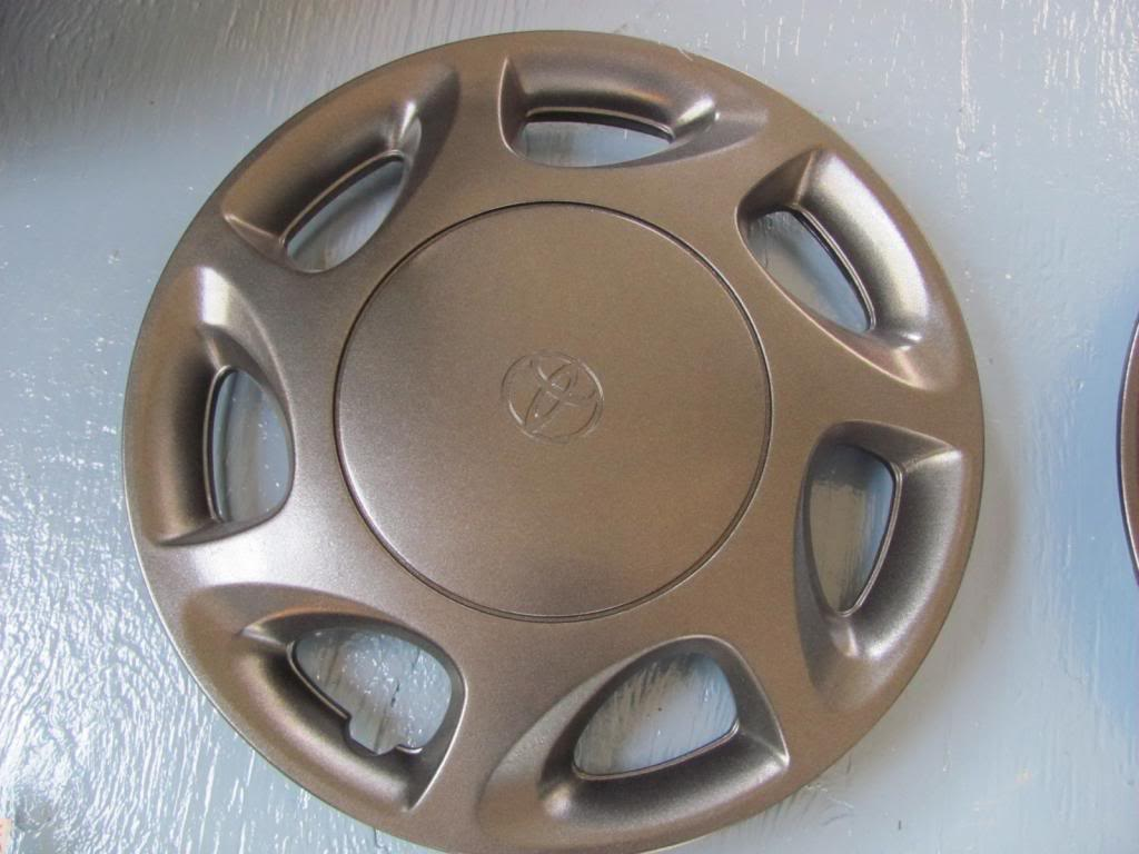 DIY: OEM Wheel Restoration (tires mounted), plus Hubcaps and Lugs -pic heavy IMG_4632