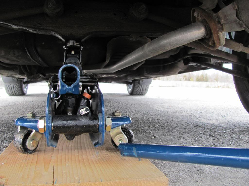 How to Jack up an AE101 and place Axle Stands IMG_6055_zpsf90507f4