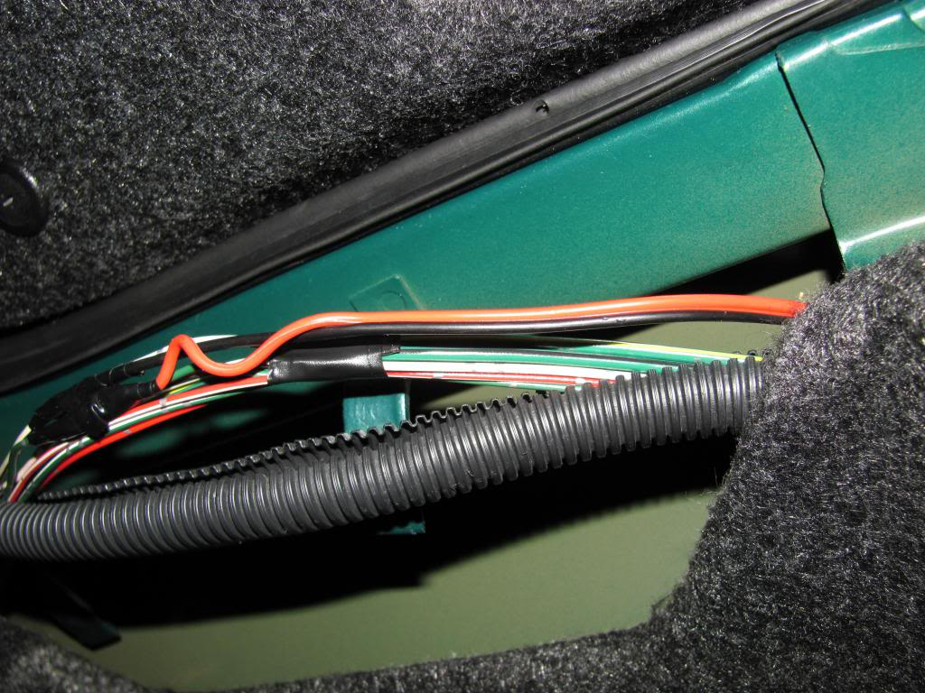 Tail Light Wiring Pictures and Diagram IMG_6110_zpsf38feed0