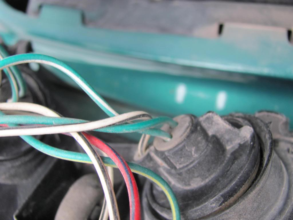 Tail Light Wiring Pictures and Diagram IMG_6122_zps65dcb951