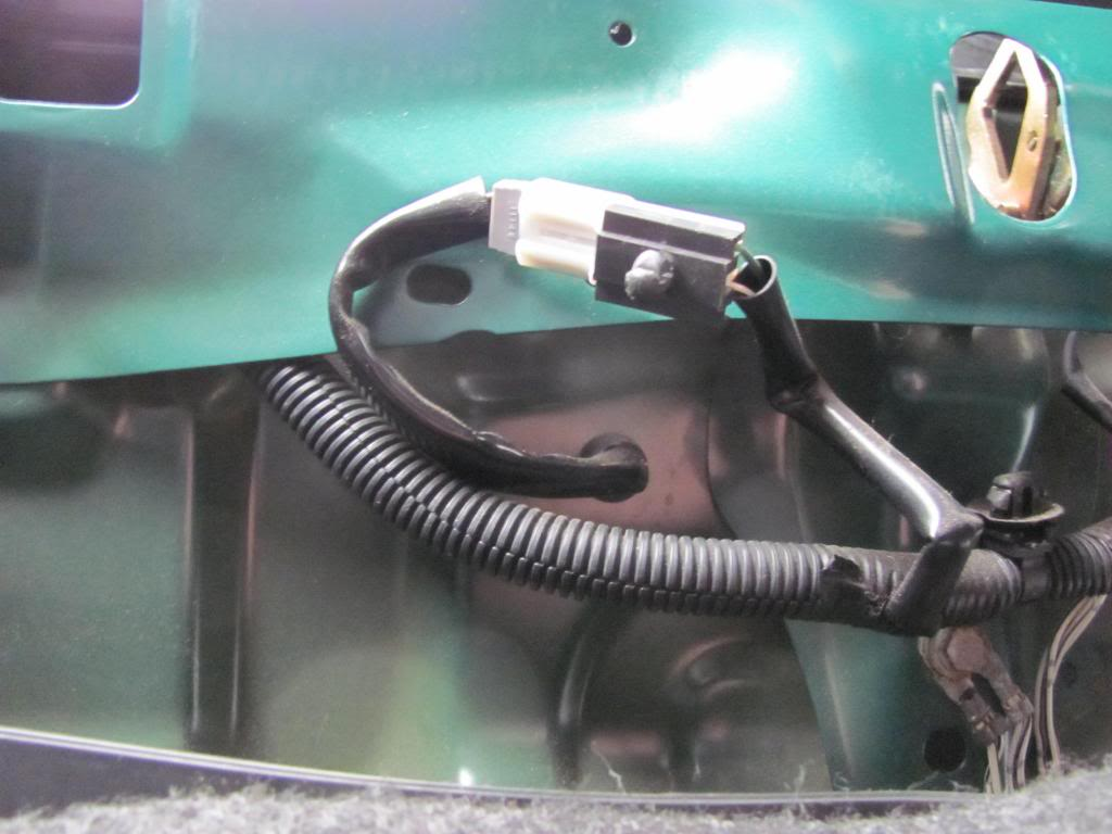 Tail Light Wiring Pictures and Diagram IMG_6140_zps978f6348