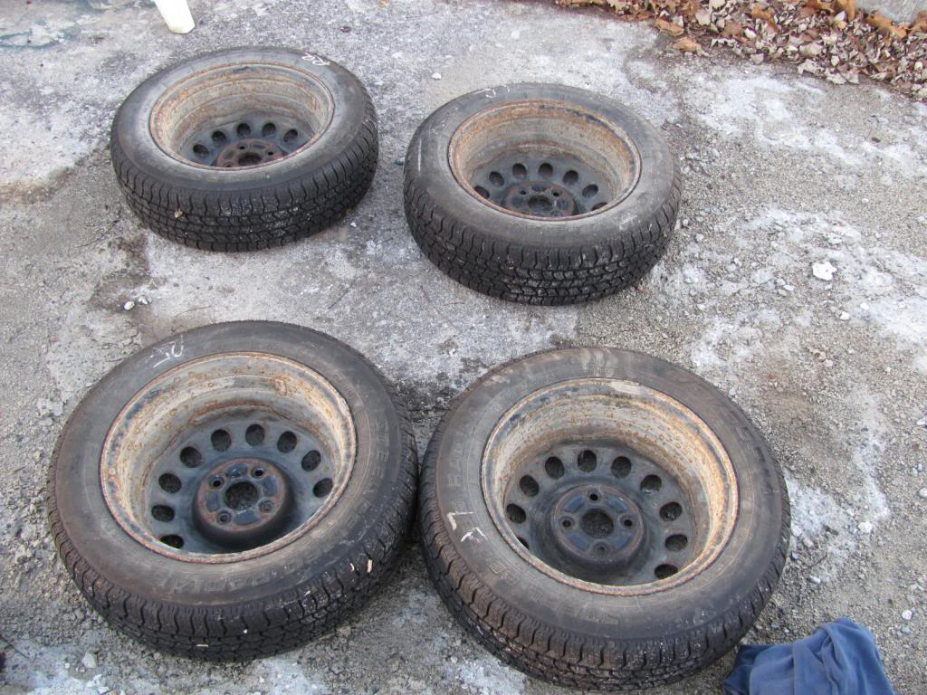 DIY: OEM Wheel Restoration (tires mounted), plus Hubcaps and Lugs -pic heavy IMG_4367