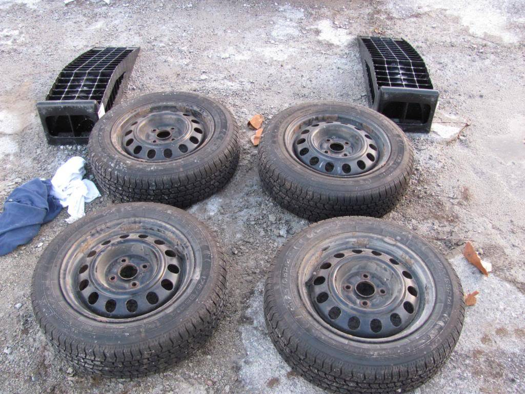 DIY: OEM Wheel Restoration (tires mounted), plus Hubcaps and Lugs -pic heavy IMG_4373